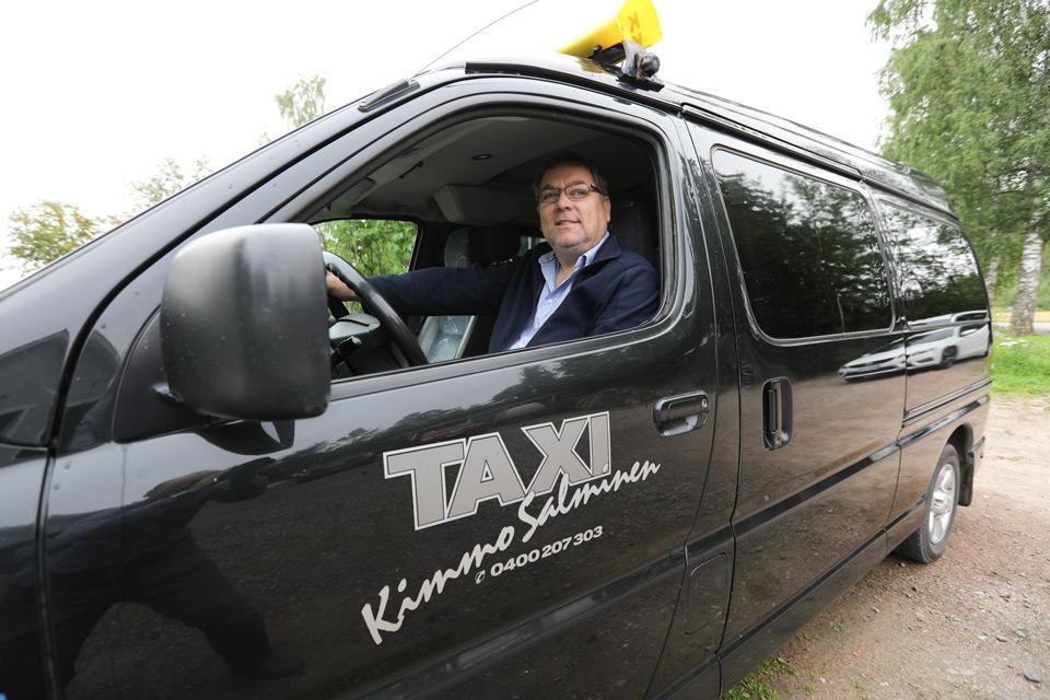 Taxi med kunden i centrum